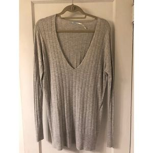 Urban Outfitters Grey Knit Sweater Size M